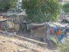 oft gesehene Behausungen entlang der Bahnstrecken