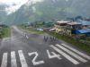 spektakulaere Landebahn in Lukla