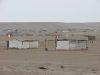 Siedlung in der Wüste, geflaggt zum Nationalfeiertag