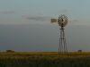 typische, windbetriebene Wasserpumpe